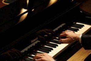 عبارات عن البيانو وقصائد شعر رائعة عن الموسيقي والبيانو