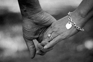 قصص حب حقيقية روعه بجد حدثت بين زوجين تجعلك تعيش أجمل اللحظات