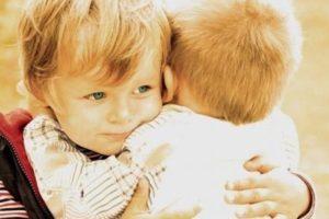 كلمات عن الصداقة .. الصداقة هي الوجه الآخر غير البراق للحب ولكنه الوجه الذي لا يصدأ أبداً