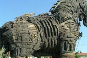 حصان طروادة القصة الحقيقية كاملة من أشهر القصص العالمية