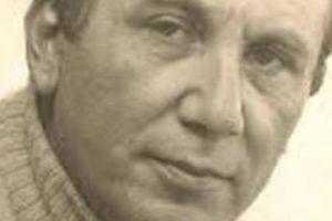 نزار قباني معلومات عن الشاعر نزار قباني واجمل قصائده واشعاره الرائعة