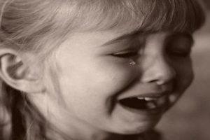 البكاء في المنام كما ورد عن الامام ابن سيرين والنابلسي وابن شاهين