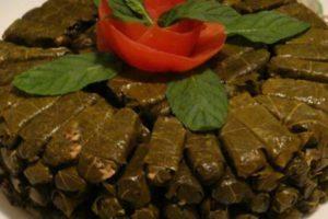 ورق عنب علي الطريقة اللبنانية والطريقة المصرية وتحضير ورق العنب باللحم بطريقة جديدة
