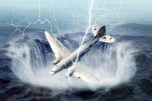 مثلث برمودا اشهر الحوادث المسجلة في هذه المنطقة واسباب اختفاء السفن والطائرات بها