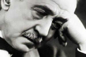 احمد شوقي نبذة عن حياة احمد شوقي وتجربته الادبية واشهر قصائده