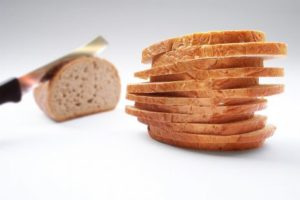 الخبز في المنام لابن سيرين والنابلسي وما ورد في كتب تفسير الاحلام