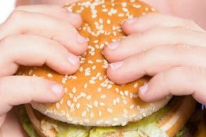 السمنة اسبابها وعواملها وكيفية علاجها وتعليمات غذائية مفيدة ومهمة