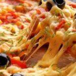 تحضير البيتزا في المنزل بشكل احترافي مثل المطاعم