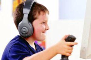 اضرار الالعاب الالكترونية على الطفل وفوائدها القليلة