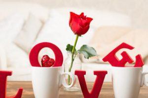 ابيات شعر عن الحب اجمل القصائد الرومانسية لعيد الحب 2018