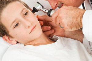 اعراض التهاب الاذن الوسطى وأسبابه