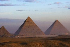 معلومات عن اهرامات مصر واهميتها ومدي عراقتها في التاريخ