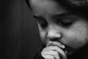 حكم وعبر عن الدنيا ليس خطأك أن تولد فقيرا، ولكنه خطؤك أن تموت فقيراً.