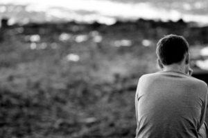 شعر عن البعد والفراق وترك الأحبة والاشتياق اليهم بعد الغرام والعشق