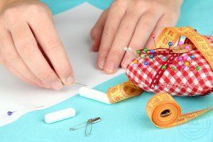 تعليم الخياطة للمبتدئين و فن التطريز والادوات والخيوط المستخدمة فيه بشكل مفصل