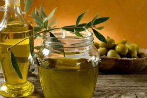فوائد زيت الزيتون للشعر وكيفية استخدامها للحصول علي فوائده الرائعة