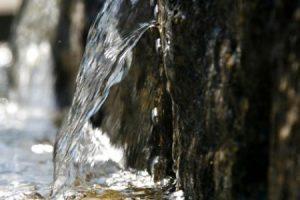 الماء المبارك معلومات عن ماء زمزم بقلم : رفعت محمد بروبي