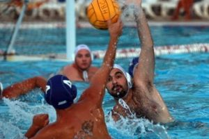 معلومات عامة ومفيدة حول رياضة كرة الماء واهم قوانين المباريات ومهارات اللاعبين
