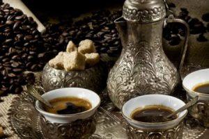 القهوة العربية وفوائدها المذهلة وطريقة تحضيرها