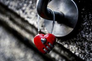 شعر غزل رومانسي جداً اجمل ما قيل من قصائد حب وغرام