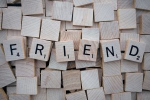 10 رسائل بين الاصدقاء جميلة ومعبرة