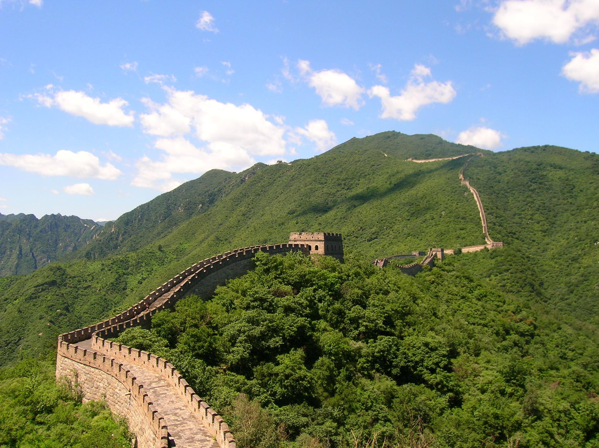 سور الصين العظيم بداية بنائه و تاريخه القديم و الحديث