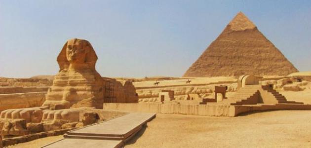 الاهرامات اشهر الاماكن السياحية في مصر