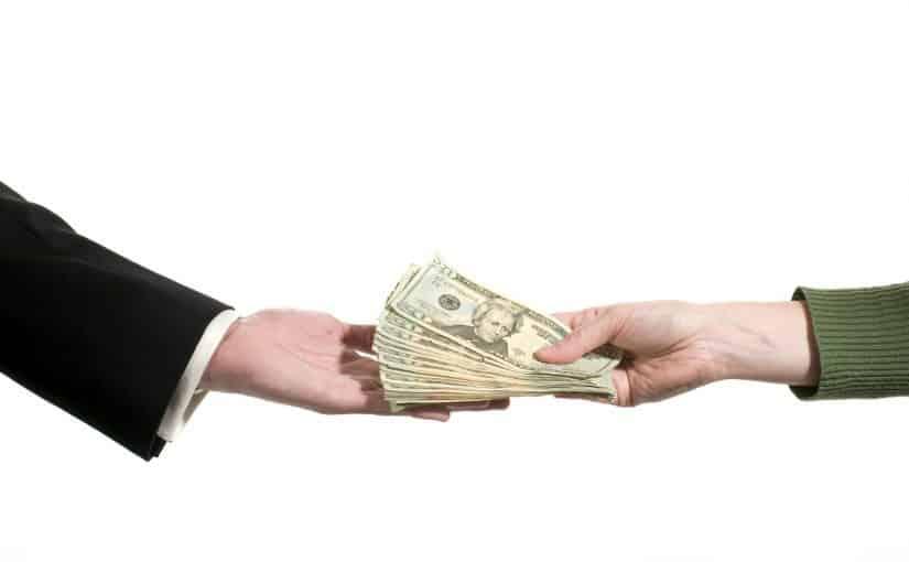 تفسير حلم اخذ المال من شخص معروف للرائي بالتفصيل