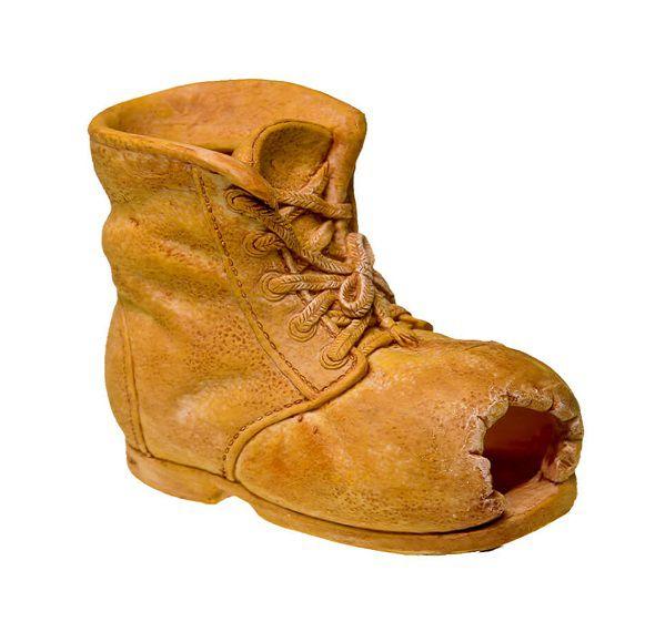 الحذاء المهترئ في المنام