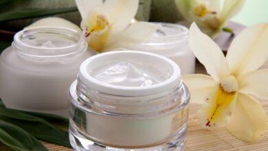 افضل مرطب للوجه الجاف المسكات الطبيعية بالعسل أو الزيت.