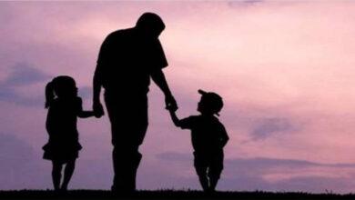 الأب وأبنائه