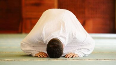 الصلاة في المنام للمتزوجة و العزباء و الرجل