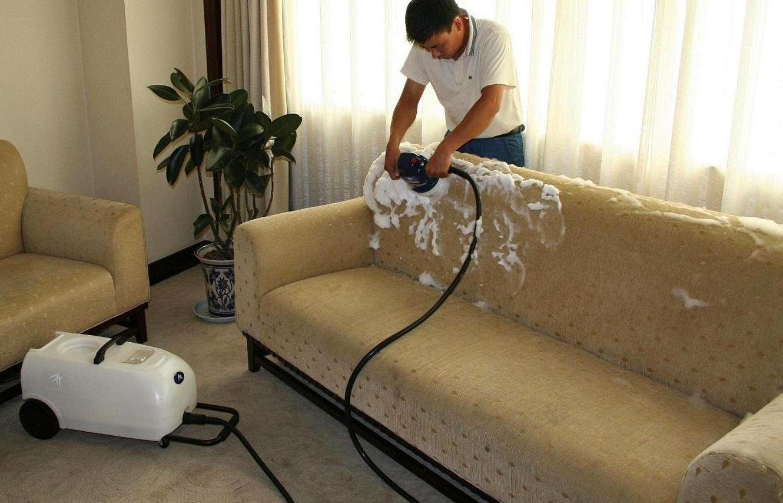 منظفات لنظيف الكنب
