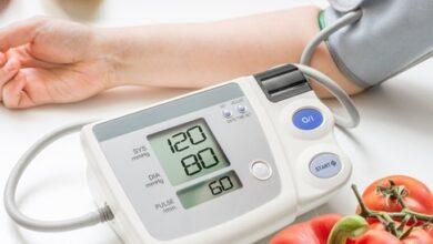 جهاز قياس ضغط الدم.