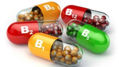 كبسولات و أقراص فيتامينات ب.