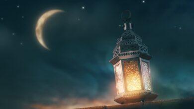 فانوس رمضان مع الهلال