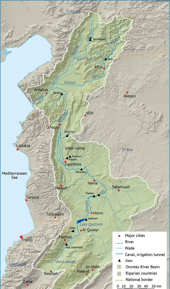 خريطة نهر العاصي ملونة توضح التضاريس الخاصة بحوضه.